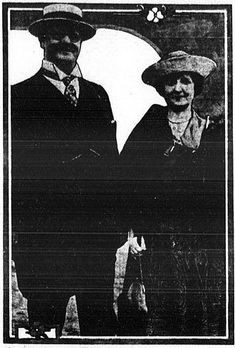 Edward Howland Robinson Green - Edward H. Green with his wife.
