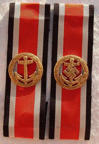 Honour Roll Clasp - Image: Ehrenblattspange Kriegsmarine