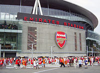 Estadio Emirates , Inglaterra 200px-Emirates-stadionin_etupuoli