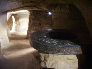 "City of Caves - The ""Enchanted Well"""