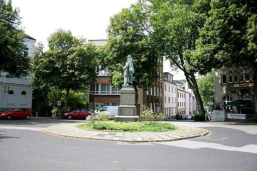 Essen Werden - Rondell - Friedrich III 02 ies