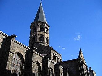 Riom - Image: FRANCE Auvergne RIOM La basilique Saint Amable