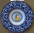 Faenza, piatto con stemma foscari e ornamento a berrettino, 1520-35 ca.JPG