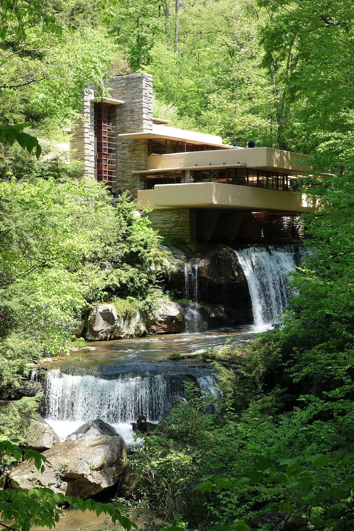 Fallingwater wikipedia for House built on waterfall