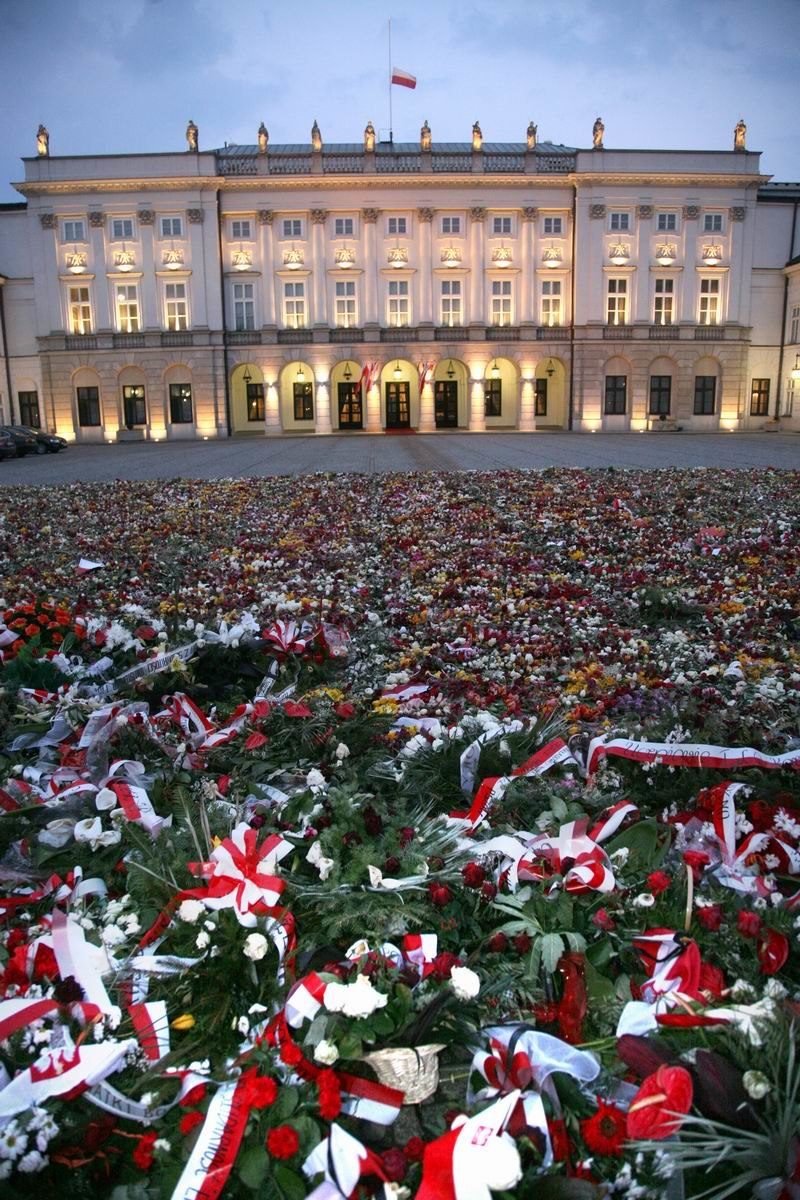 Flowers in front of the Presidential Palace in Warsaw