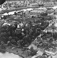 Flyfoto over Nidarosdomen med Synagogen og Thomas Angells Hus (1945) (24289674304).jpg