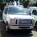 Ford E Series Bell Canada (Auto classique VAQ St-Lambert '12).jpg