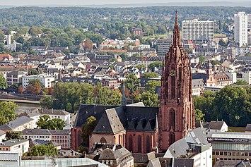 Frankfurt am Main-St Bartholomaeus-view from the Nextower-20110812.jpg
