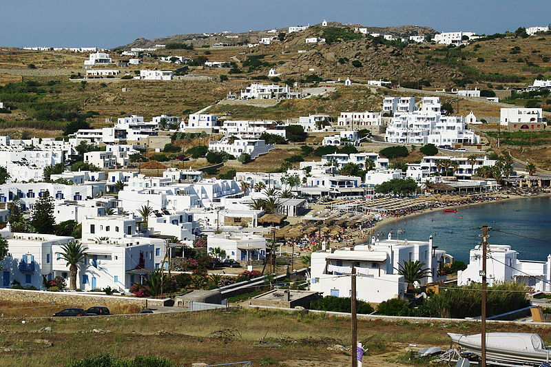 Ornos beach in Mykonos - one of the best beaches in Mykonos