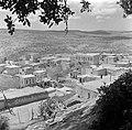 Galilea, het druzendorp Peki'in. Gezicht op het dorp met de omliggende heuvels e, Bestanddeelnr 255-0134.jpg