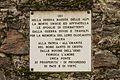 Gedenkpaneel. Locatie, Kerk van San Rocco met daaromheen de militaire begraafplaats in Peio Paese 02.jpg