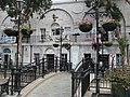Gibraltar - Einkaufsviertel Casemates Square - panoramio.jpg