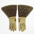 Gloves (Italy), 1600–1650 (CH 18564645).jpg