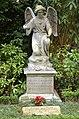 Grabmal Erich Madsack (1889-1969), Luise Madsack (19011-2001) und Claudia Freifrau Schilling von Canstatt (1940-2003), Stadtfriedhof Engesohde, Hannover.jpg