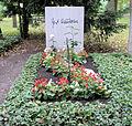 Grabstätte Potsdamer Chaussee 75 (Niko) Gert Reinholm.jpg