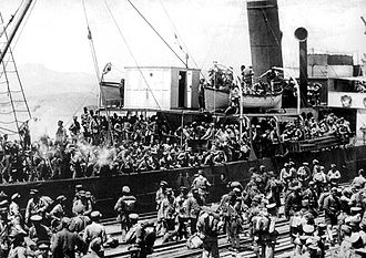 Urla Clashes - Greek soldiers disembarking in Smyrna (May 1919)