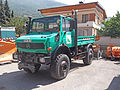Green Mercedes-Benz Unimog U 1650 in France.jpg