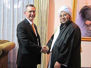 Munzir Al-Musawa - U.S. ambassador to Indonesia Scot Marciel met with Habib Munzir bin Fuad al-Musawa at the cleric's residence on January 9, 2013.