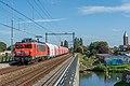 Halfweg-Zwanenburg DBC 1611 met kalktrein (48803591218).jpg