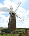 Hardley Mill with new cap, sails and fantail - geograph.org.uk - 1467492.jpg