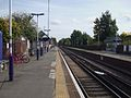 Haydons Road stn look east2.JPG