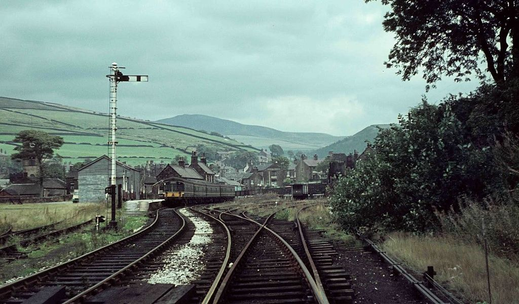 1024px Hayfield station in 1963 - A mystery DMU tunnel!