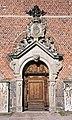 Heliga trefaldighets kyrka - södra porten.jpg
