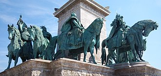 Seven chieftains of the Magyars - Image: Hosok Tere Budapest left side