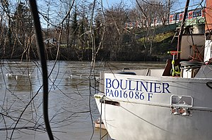 Houseboat in Rueil-Malmaison 003.JPG