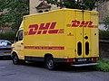 Hradešínská, dodávka DHL.jpg