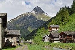 Innergschlöss - Blick aus Innergschlöss zum Vorderen Kesselkopf 2718 m.jpg