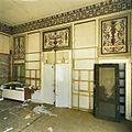 Interieur, overzicht van een wand in de theekoepel met drie interieurschilderingen - Haarlem - 20388333 - RCE.jpg