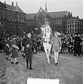 Intocht Sinterklaas in Amsterdam, Bestanddeelnr 906-1219.jpg