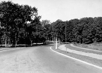 Island Park Drive - Island Park Drive, then known as Western Drive, in the 1920s.