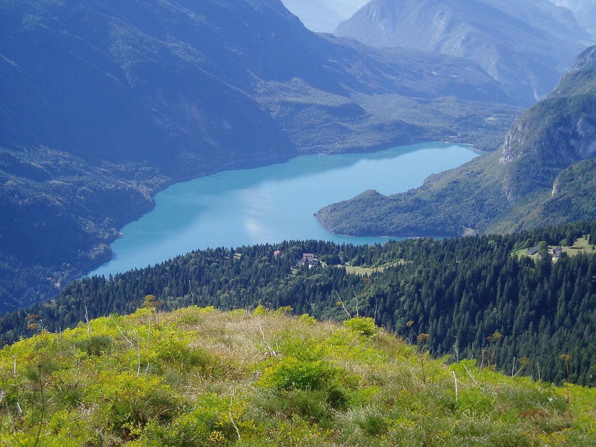 Lake Molveno - Wikipedia