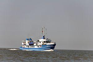 Jan Cux II (ship, 1978) 2012-by-RaBoe 02.jpg