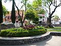 Jardín junto a quiosco 1.JPG
