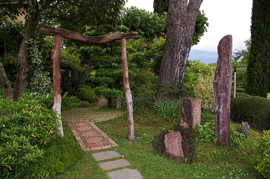 Entrée du jardin d'accueil du jardin zen d'Erik Borja