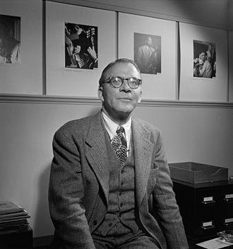 Jean Goldkette - Image: Jean Goldkette, William P. Gottlieb's office, New York, ca. June 1947 (William P. Gottlieb)