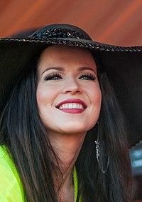Jenni Vartiainen, 2014 (cropped).jpg