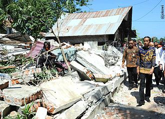 2016 Aceh earthquake - President Joko Widodo visiting areas affected by the earthquake, 15 December 2016.