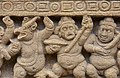 Kailasanatha Temple, dedicated to Shiva, Pallavve period, early 7th century, Kanchipuram (51) (36748172074).jpg