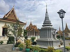 Keong Preah Bat.jpg