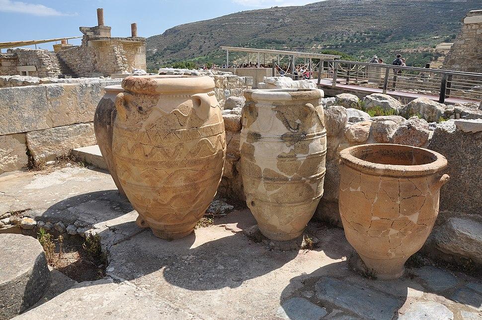 Knossos pithoi pottery, Crete 001