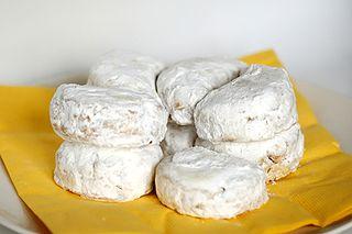 Kourabiedes Greek biscuits