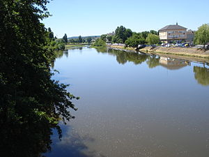 Gueugnon - Image: L'Arroux à Gueugnon