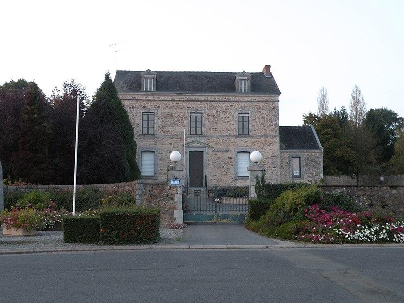 Town hall of La Gravelle.