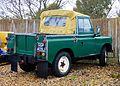 Land Rover (15659032875).jpg