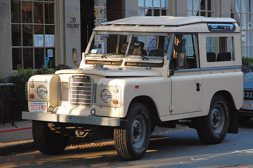land rover a series iia or series iii model the only exterior difference being the iii has a. Black Bedroom Furniture Sets. Home Design Ideas
