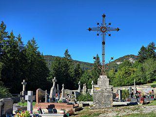 croix de cimetière de Laval-le-Prieuré